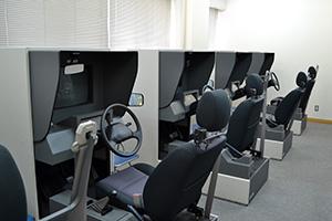 高知県自動車学校 四輪シミュレーター